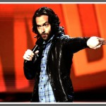 Chris_D&#039;Elia_standup_shot_385x256