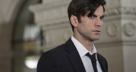 """AMERICAN HORROR STORY -- """"Chutes and Ladders"""" Episode 502 (Airs Wednesday, October 14, 10:00 pm/ep) Pictured: Wes Bentley as John Lowe. CR: Suzanne Tenner/FX"""